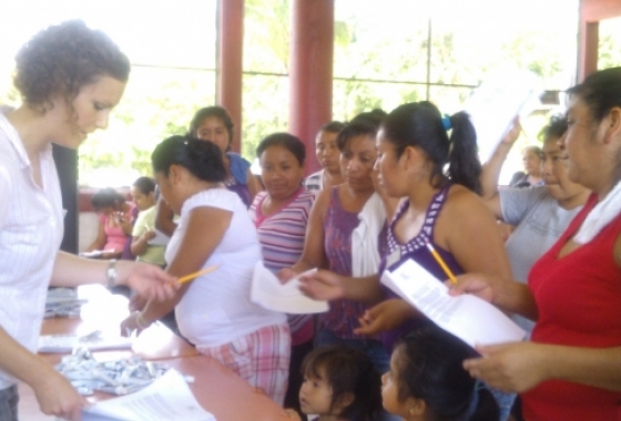 Global Health Studies certificate graduate student conducting research on rates of tooth decay in children in Mexico